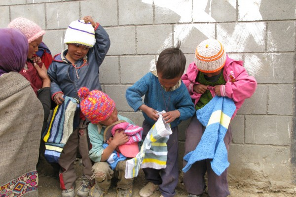 More children with Spiti jumpers